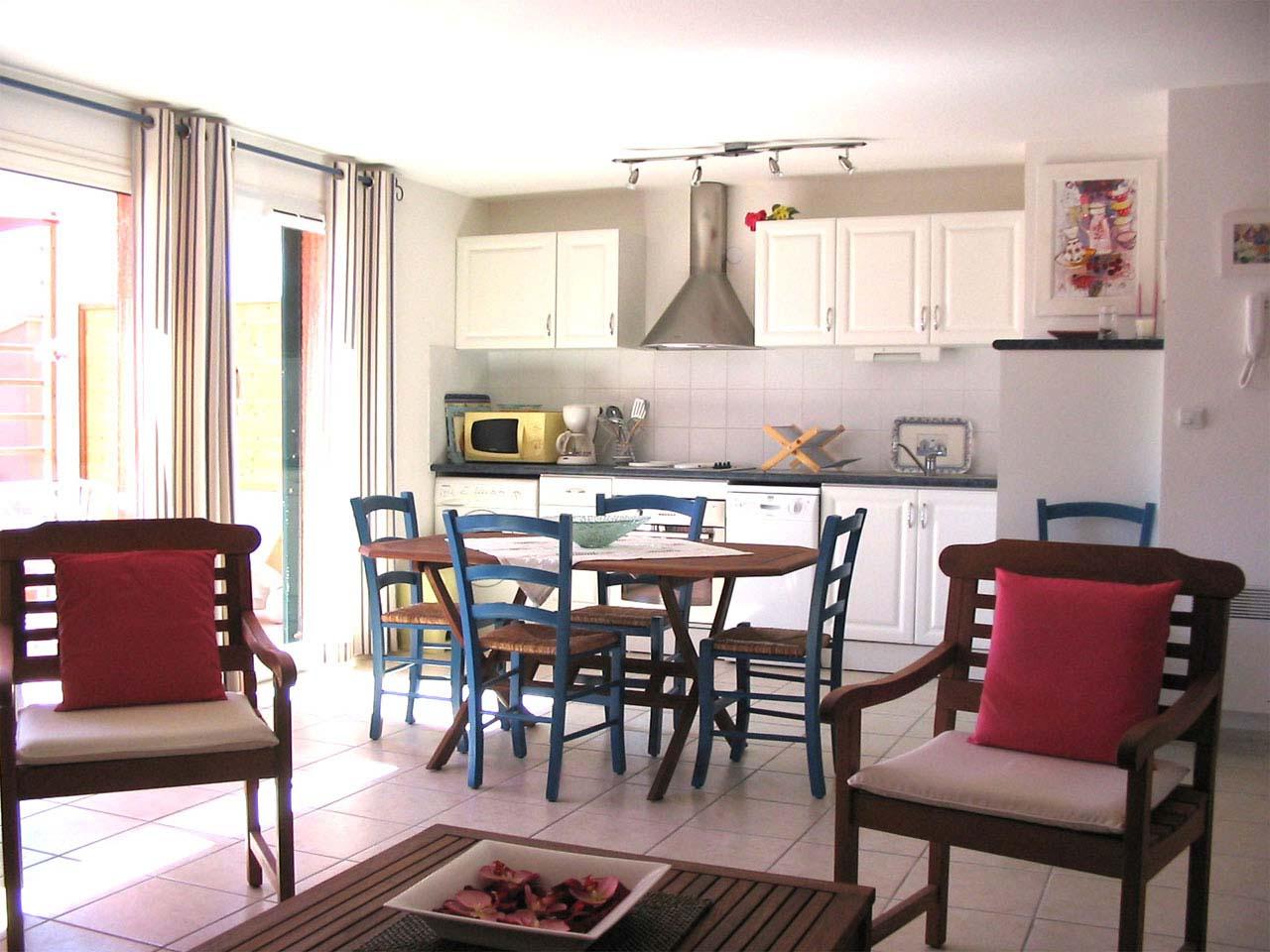 Descriptif location en fran ais for Classy cuisine canape maker